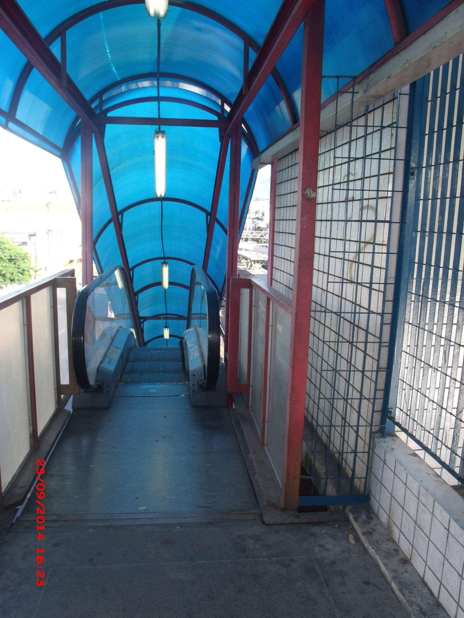 Uma escada rolante inoperante na estação da SUPERVIA no bairro do Méier, na zona norte do Rio de Janeiro, tem causado reclamações dos usuários do local Foto: José Carlos Pereira de Carvalho/vc repórter