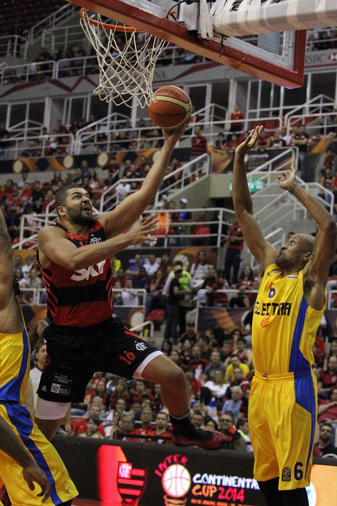 Olivinha fez uma boa partida e foi o cestinha do Flamengo Foto: Gilvan de Souza/Flamengo