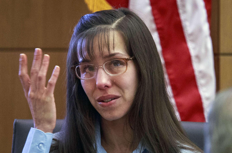 En esta foto del 20 de febrero del 2013 se ve a Jodi Arias durante su juicio por la muerte de Travis Alexander en 2008. Foto: AP en español
