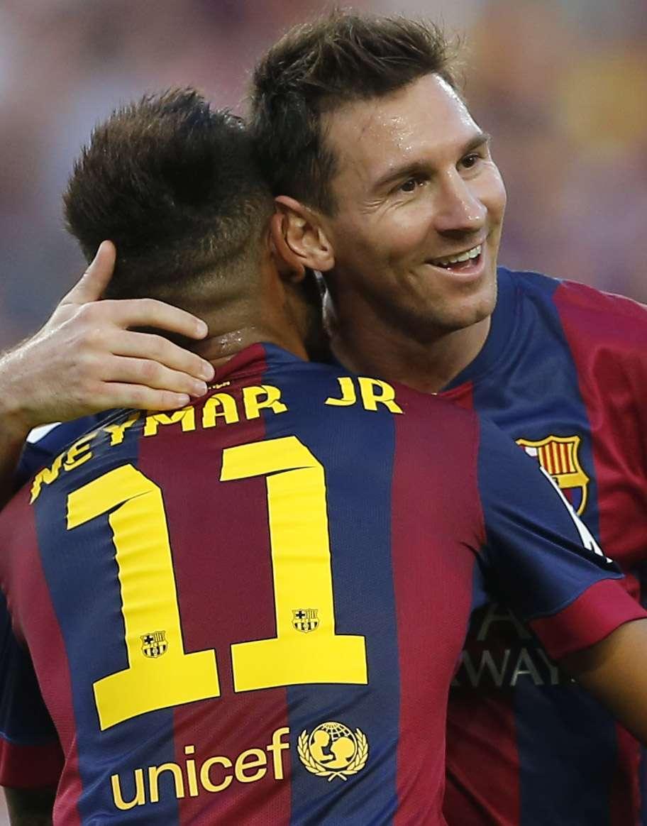 Neymar e Messi foram decisivos em goleada do Barcelona Foto: Emilio Morenatti/AP