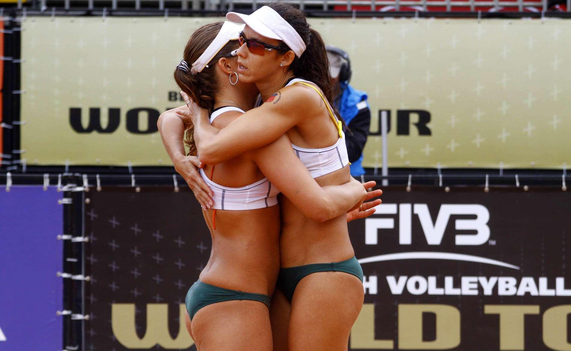 Talita e Larissa têm impressionado no circuito Foto: Alexandre Arruda/CBV/Divulgação