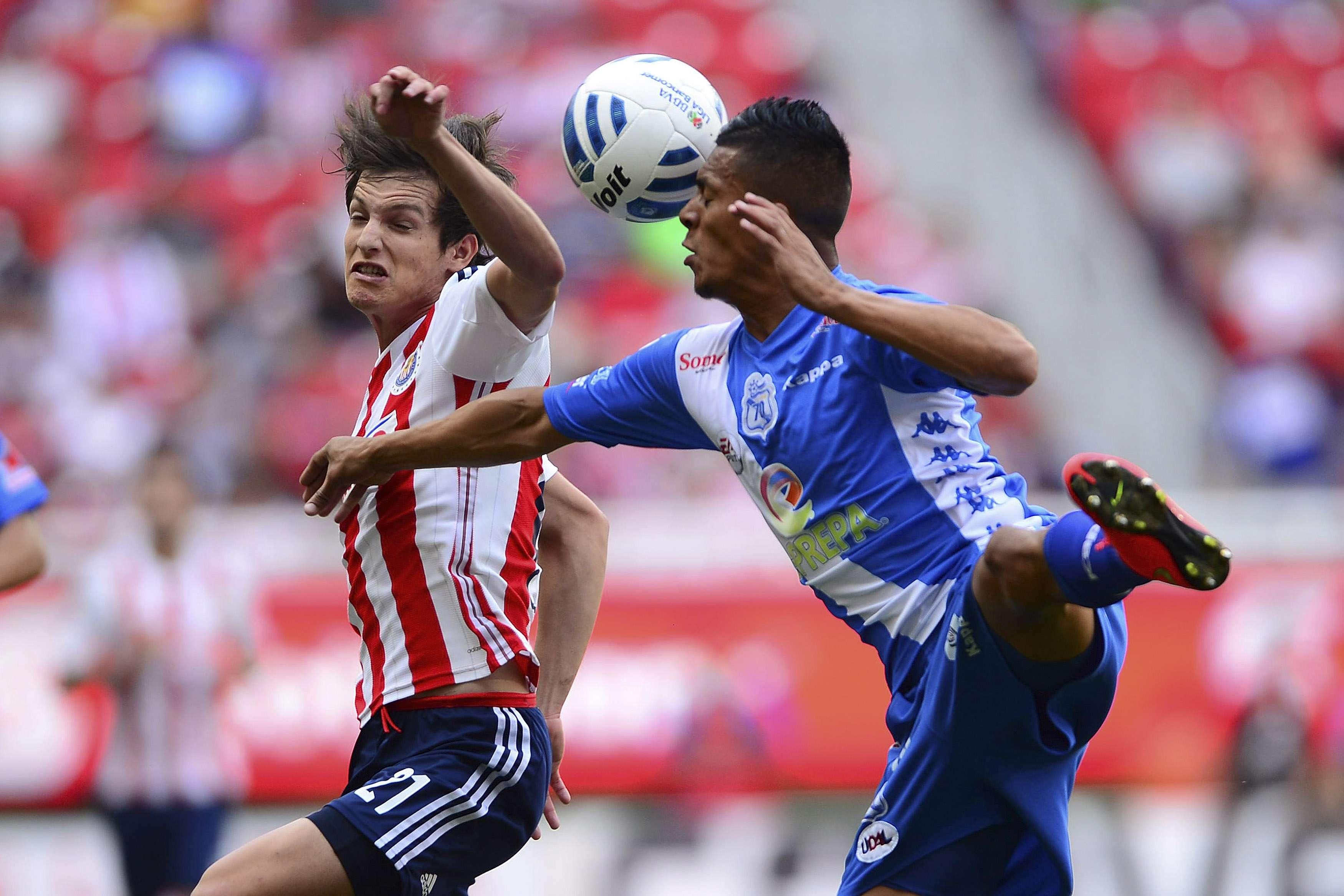 Chivas suma siete partidos sin ganar en el Apertura 2014. Foto: Mexsport