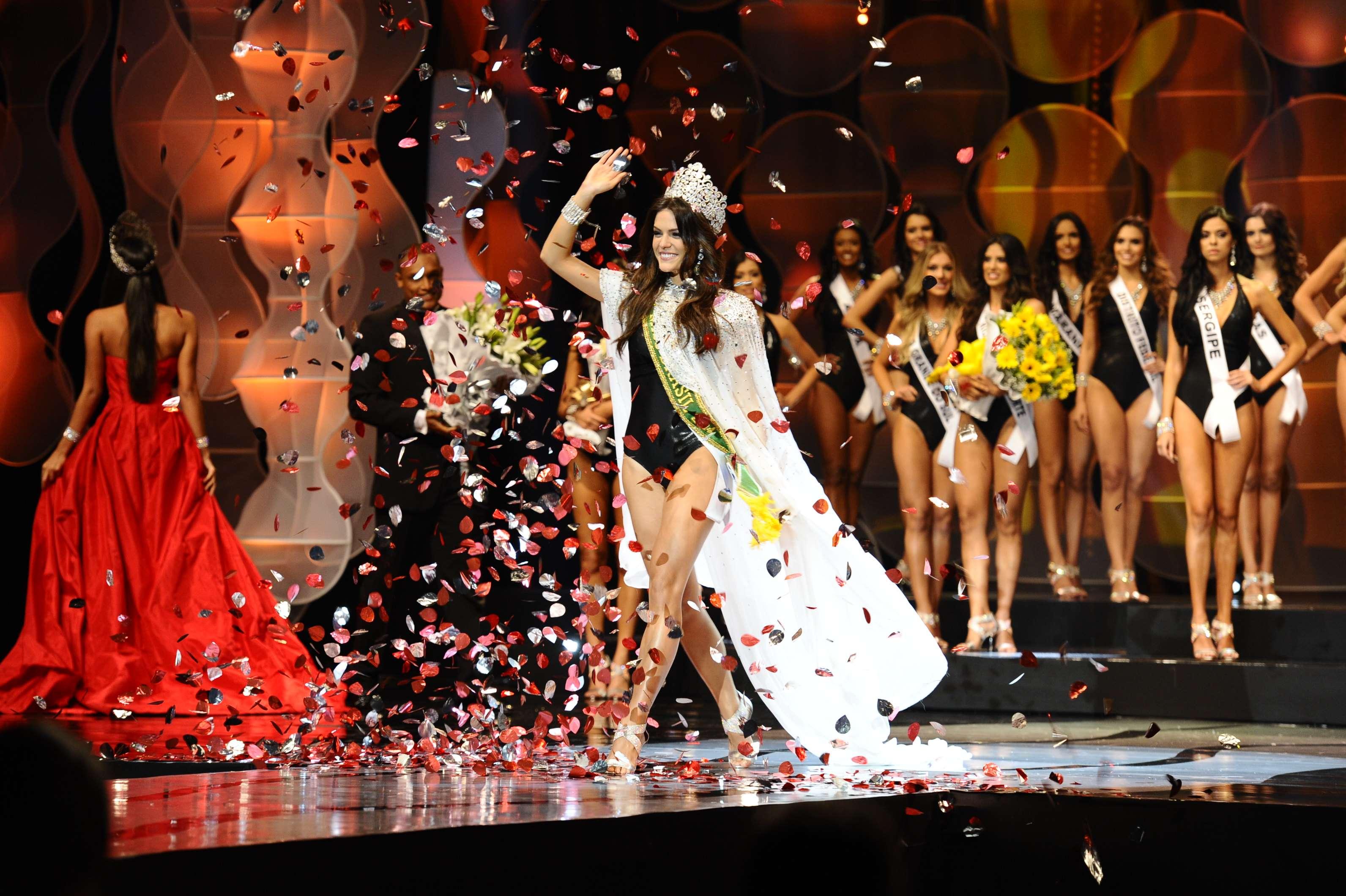 Melissa Gurgel, do Ceará, conquistou o título de Miss Brasil 2014, na madrugada deste domingo (28), e representará o País no Miss Universo, em Miami Foto: Lucas Ismael/Divulgação