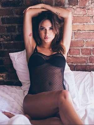 Thaila Ayala posa sexy e publica foto no Instagram Foto: @thailaayala/Reprodução