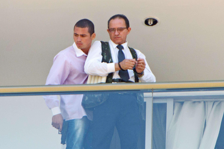 Homem armado invade o hotel Saint Peter Brasília, no Setor Hoteleiro Sul, em Brasília (DF), na manhã desta segunda-feira (29), e mantém o mensagem do estabelecimento, de 60 anos, refém Foto: Luís N. Oliveira/Futura Press
