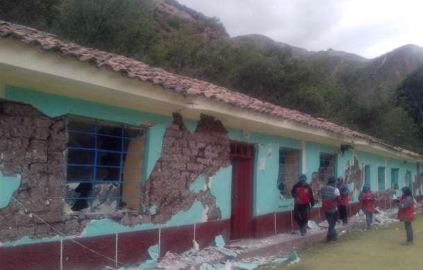 Numerosas viviendas y centros educativos quedaron en escombros Foto: Indeci