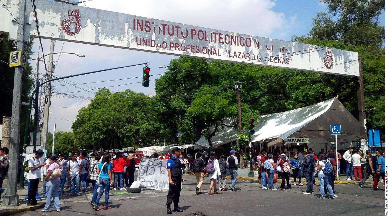 Marcha estudiantes del IPN Foto: Agencia Reforma