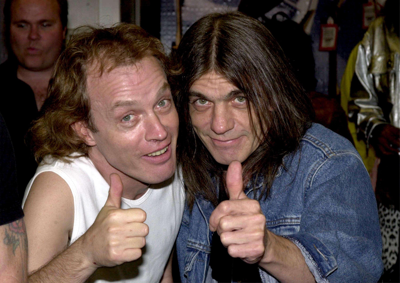 Malcolm e seu irmão, Angus Young Foto: Getty Images