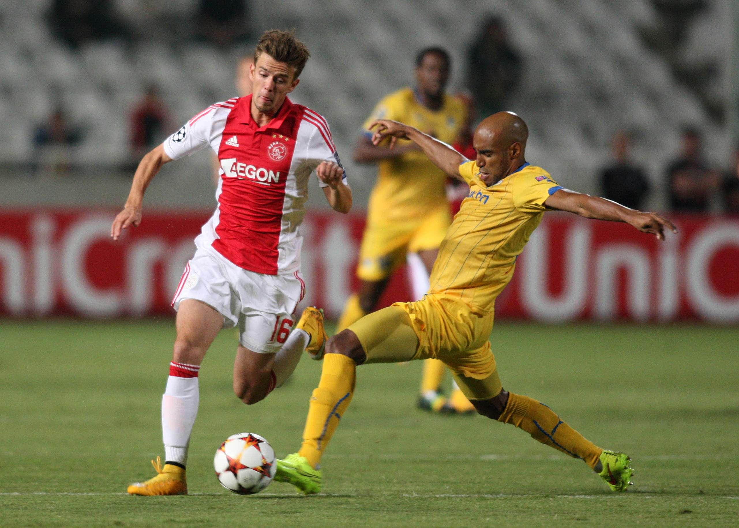 APOEL y Ajax repartieron puntos en el partido. Foto: AFP