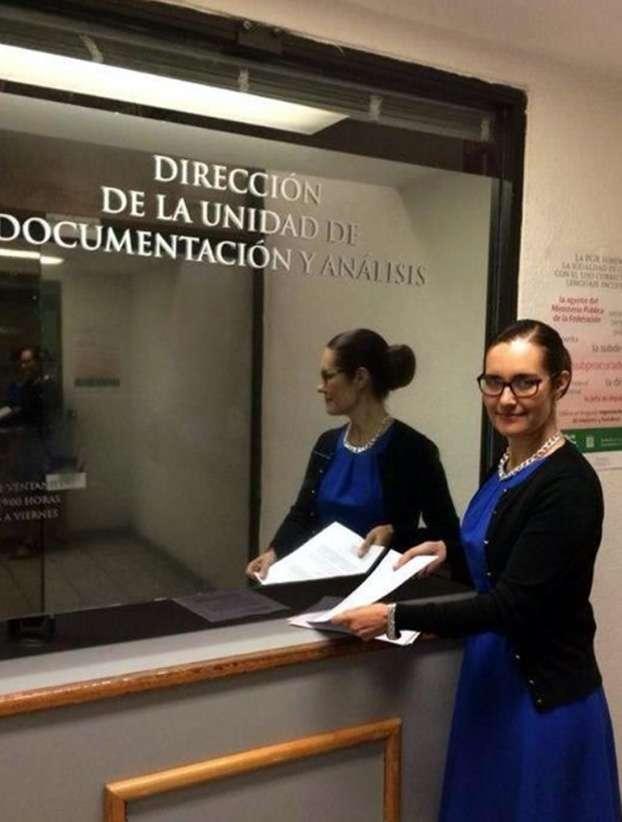 La diputada federal Rocío Reza acudió a interponer la denuncia Foto: Twitter