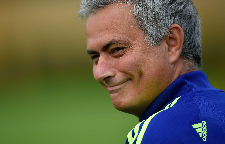 José Mourinho se siente afectado por el arbitraje. Foto: Getty Images