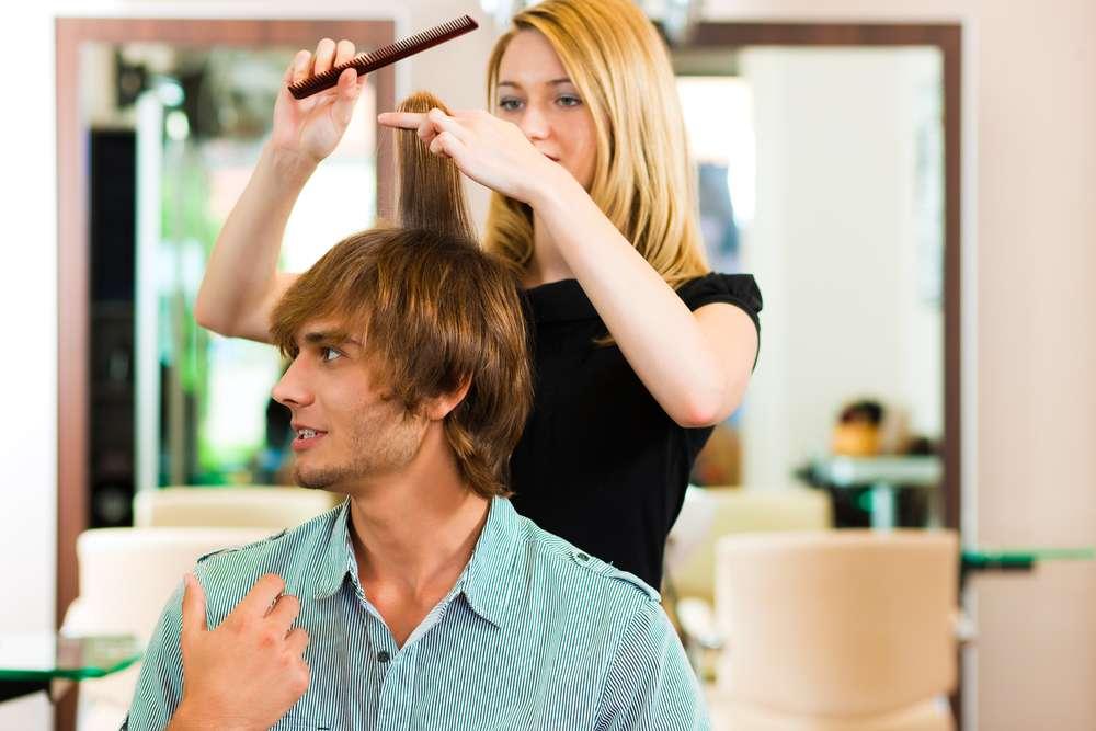 Mercado de produtos e serviços de beleza voltados para o público masculino cresce conforme os homens perdem a vergonha de investir no visual Foto: Kzenon/Shutterstock