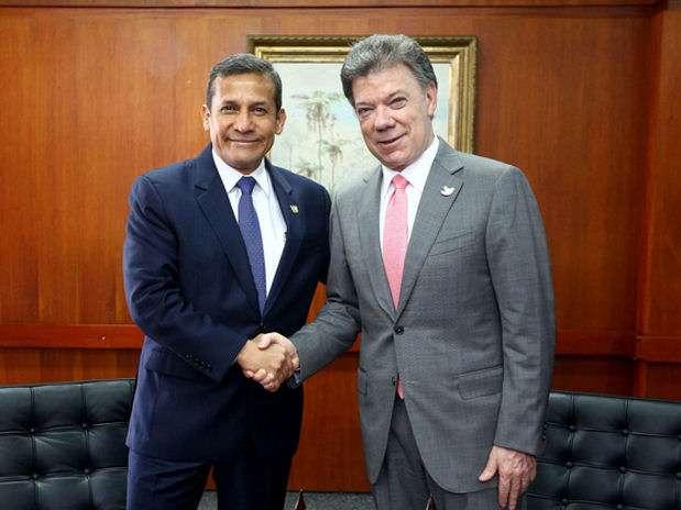 Ollanta Humala y Juan Manuel Santos. Foto: Andina