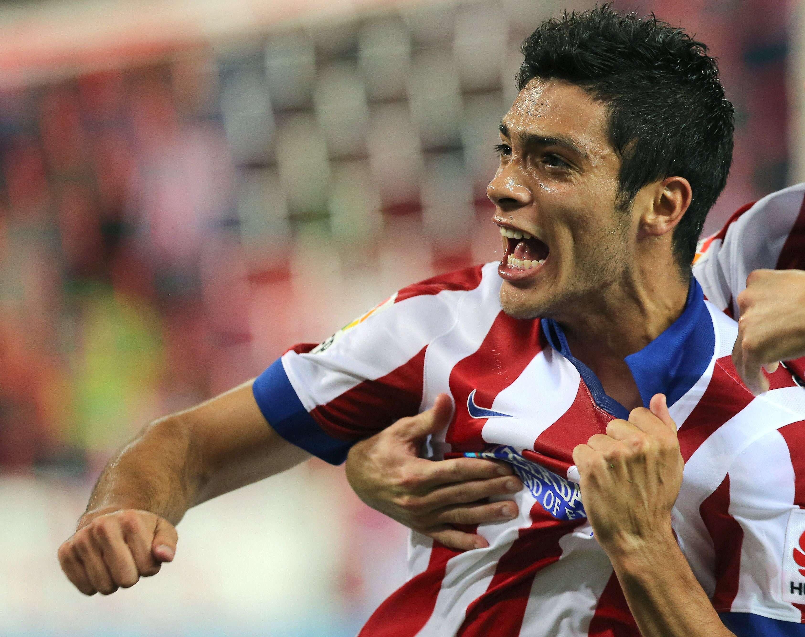 Raúl Jiménez, delantero mexicano del Atlético de Madrid que podría jugar ante la Juventus. Foto: EFE