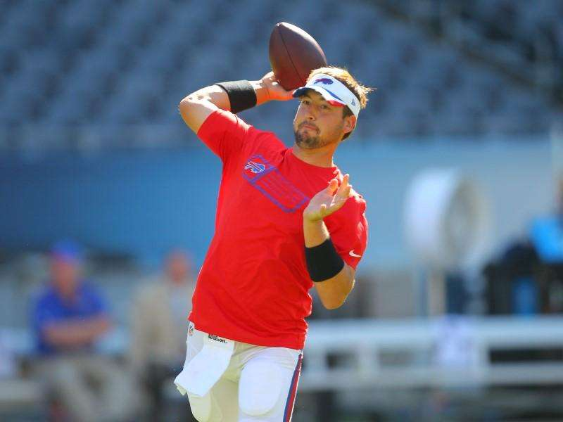Sep 7, 2014; Chicago, IL, USA; Buffalo Bills quarterback Kyle Orton (18) warms up prior to a game against the Chicago Bears at Soldier Field. Mandatory Credit: Dennis Wierzbicki-USA TODAY Sports. Foto: Reuters