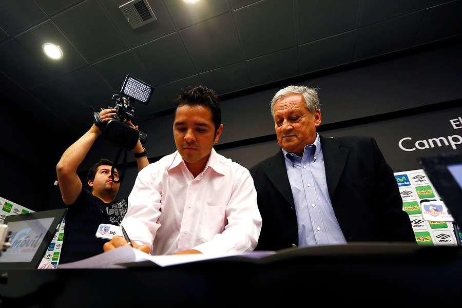 Salah descartó cualquier conflicto con Tapia. Foto: Agencia UNO