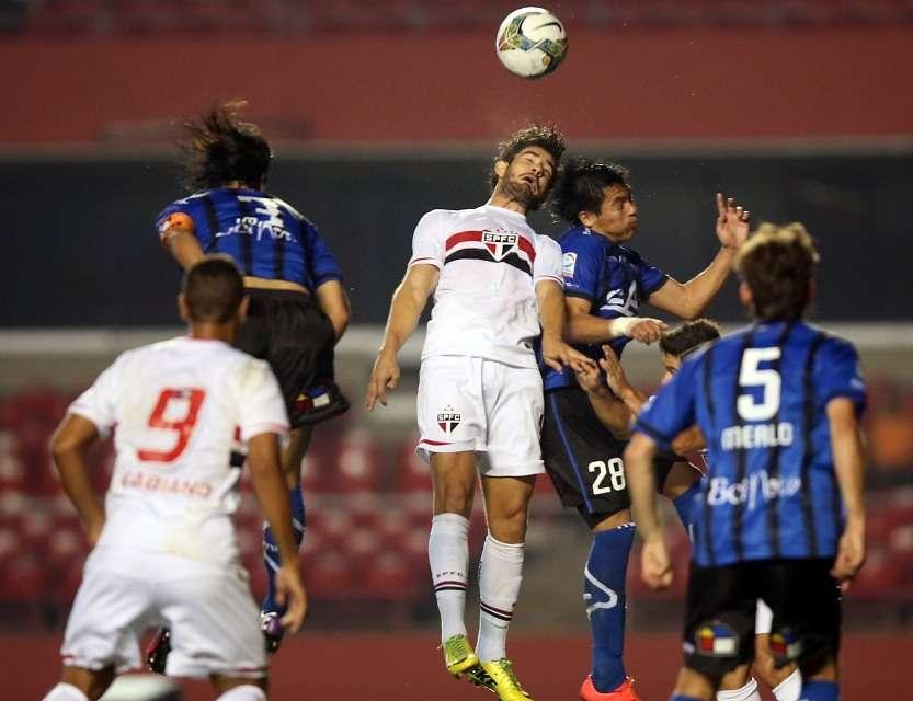 El duelo es válido por los octavos de final de la Copa Sudamericana. Foto: Agencia UNO