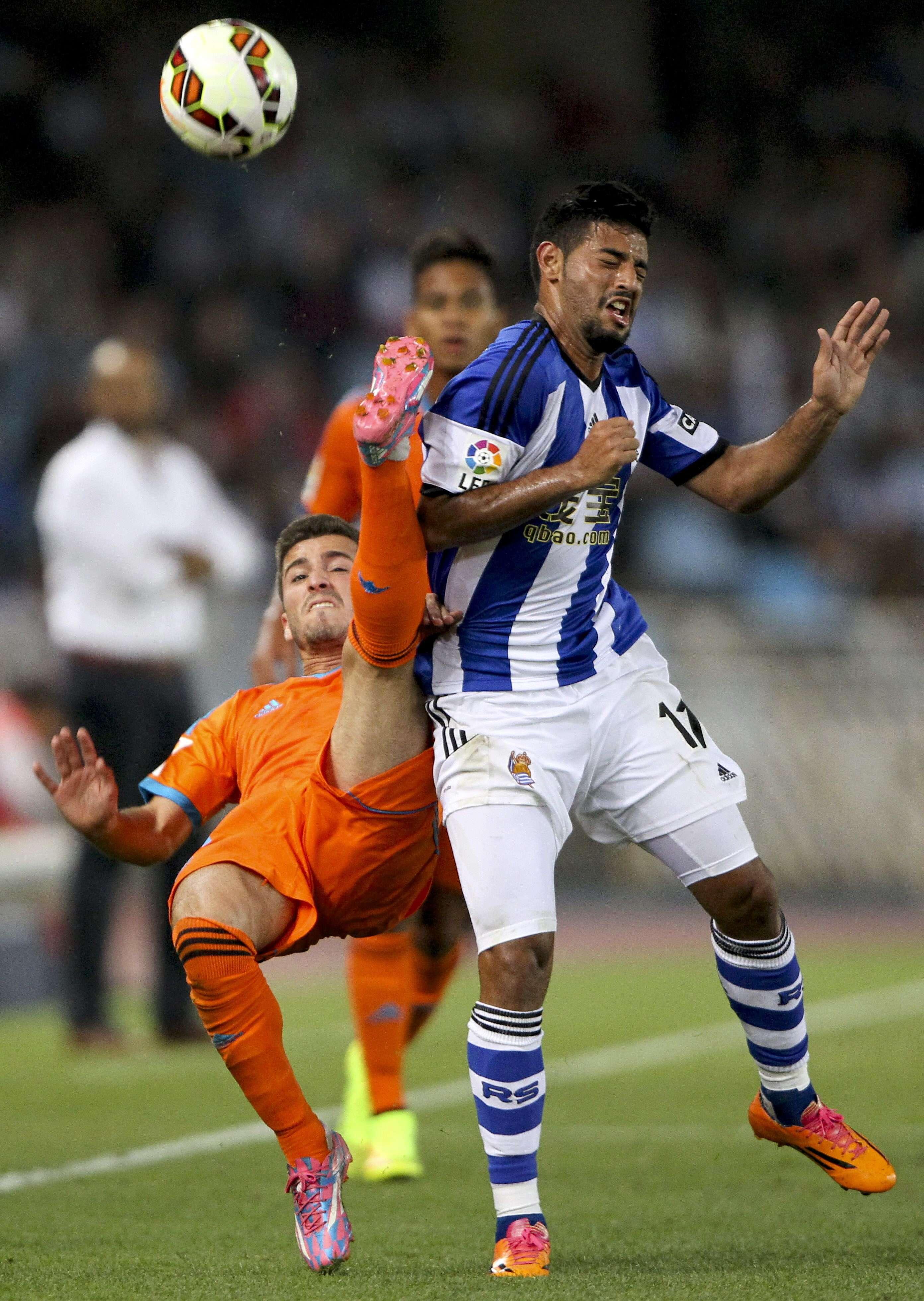 Carlos Vela ha sufrido por las lesiones en el arranque de temporada con Real Sociedad. Foto: EFE