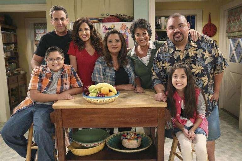 """Este es el elenco principal de """"Cristela"""", donde todos los actores son latinos Foto: ABC"""
