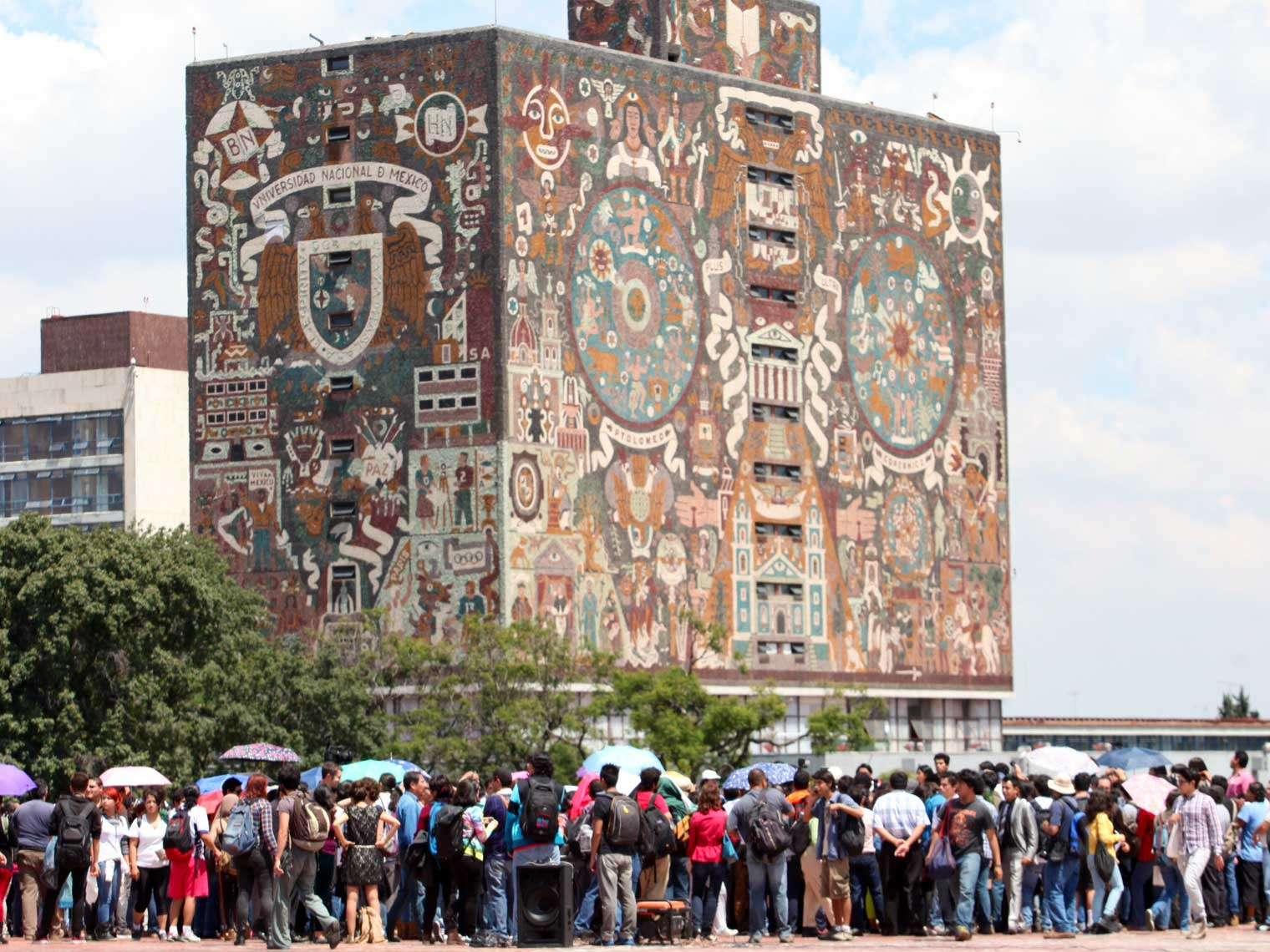 Uno de los organizadores del encuentro, por parte de la UNAM, dijo que el mitin tuvo como objetivo reflejar la solidaridad de los universitarios hacia los compañeros del Politécnico que llevan a cabo un paro y tienen demandas construidas en asambleas. Foto: Terra