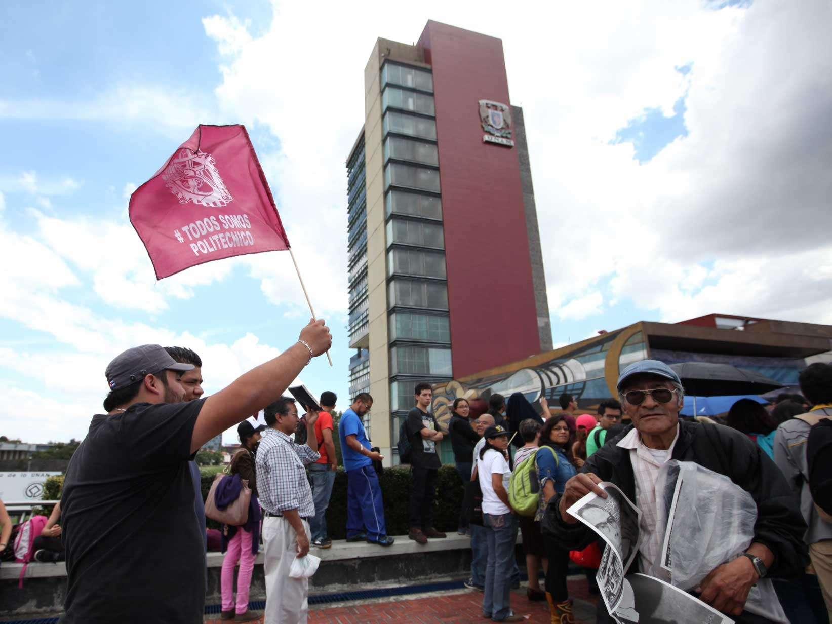 De manera simultánea, estudiantes del IPN realizaron un foro informativo sobre el reglamento interno en la sede de Culhuacán, por lo que al evento de CU no llegaron todos los representantes de las escuelas en paro. Foto: Terra