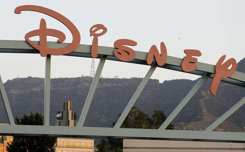 A part of the signage at the main gate of The Walt Disney Co. is pictured in Burbank, California, May 7, 2012. Foto: Fred Prouser/Reuters