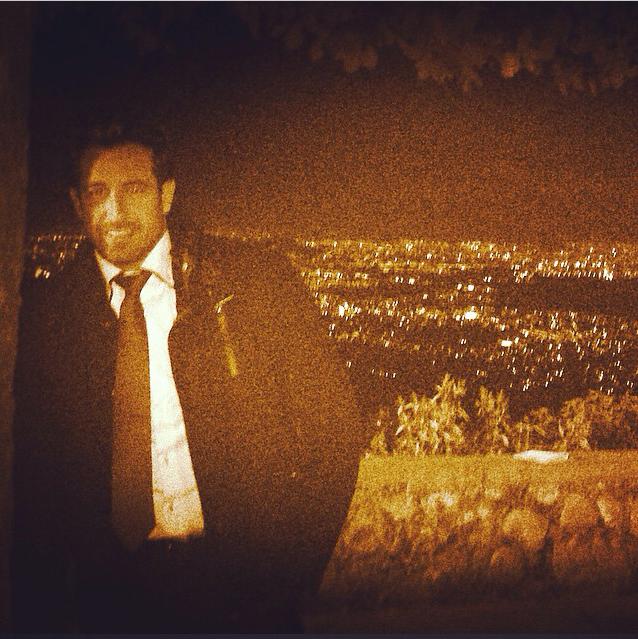 Aunque se muere de frío, Gabriel Soto es todo un profesional al grabar las escenas de la telenovela 'Yo no creo en los hombres' a bajas temperaturas. ¿Alguien quiere darle un poco de calor? Foto: Instagram
