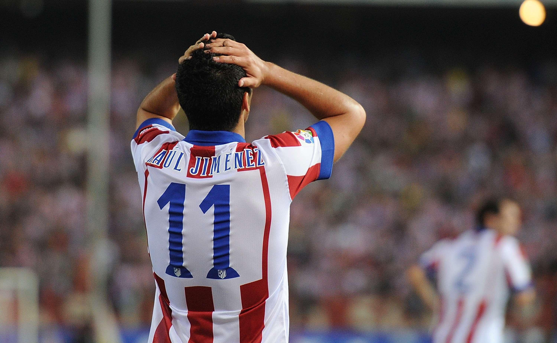 Raúl Jiménez no vio acción ante la Juventus Foto: Getty Images