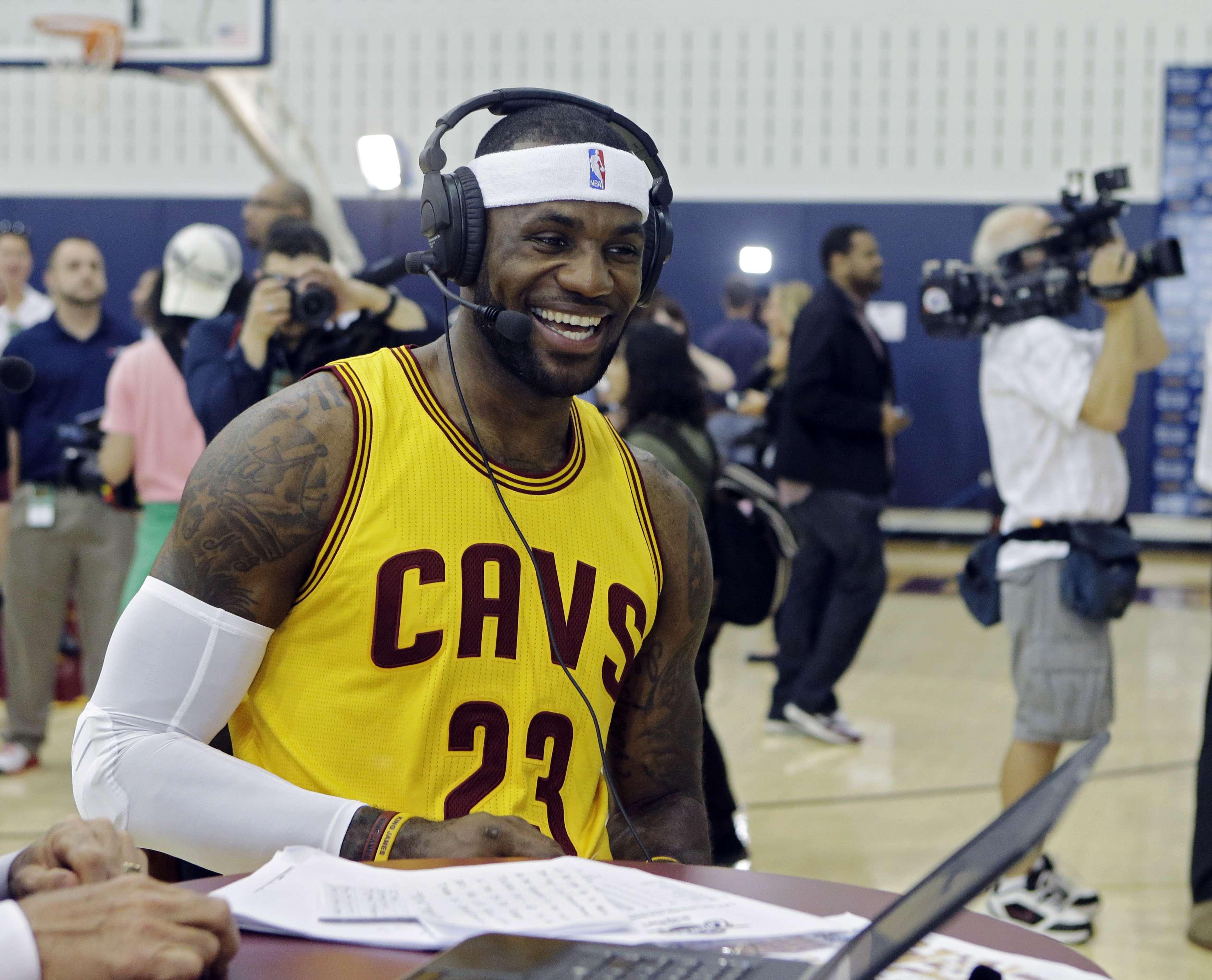 LeBron James ahora entra al mundo de la televisión con una serie motivacional para niños. Foto: AP