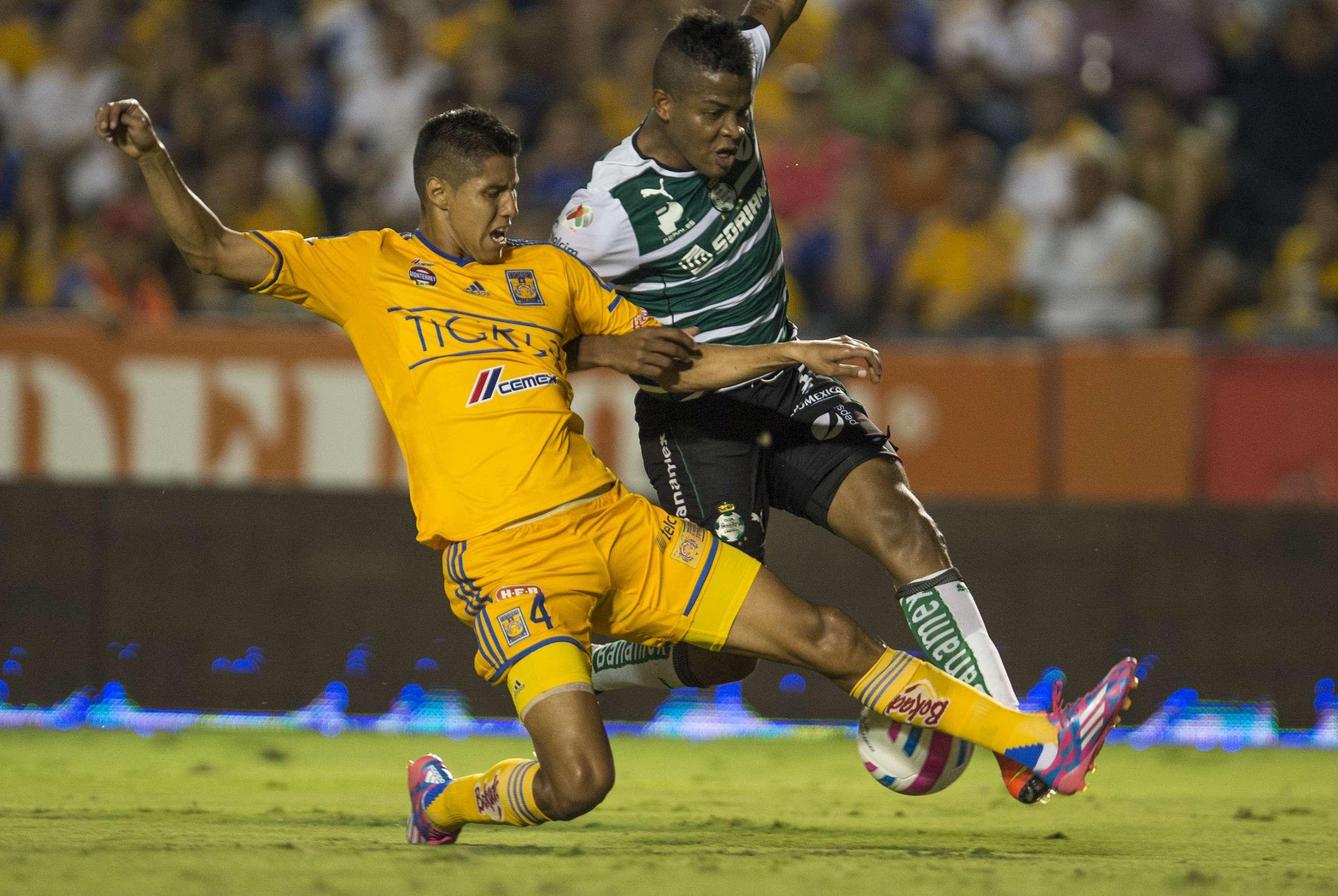 Tigres y Santos Laguna empataron 1-1 en duelo celebrado en el 'Volcán'. Foto: Mexsport