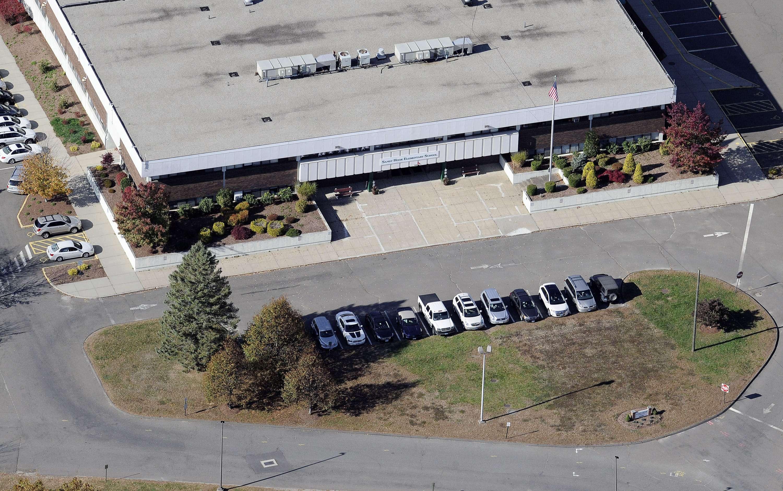 Esta foto aérea del 28 de octubre del 2013 muestra la escuela Primaria Sandy Hook, reubicada en Monroe Connecticut. Foto: AP en español