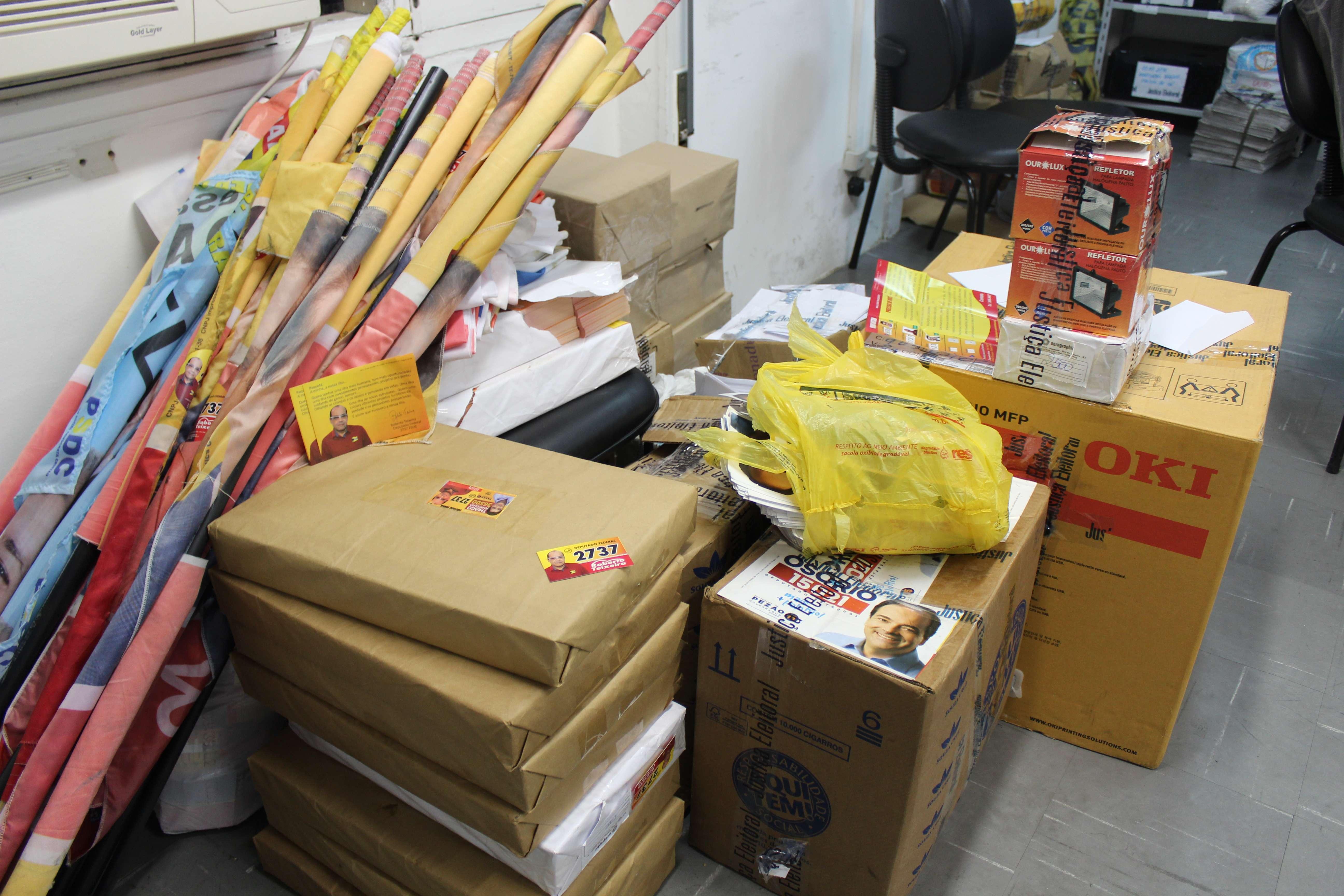 RJ: centros ligados a candidatos distribuem até camisinha Foto: TRE-RJ/Divulgação