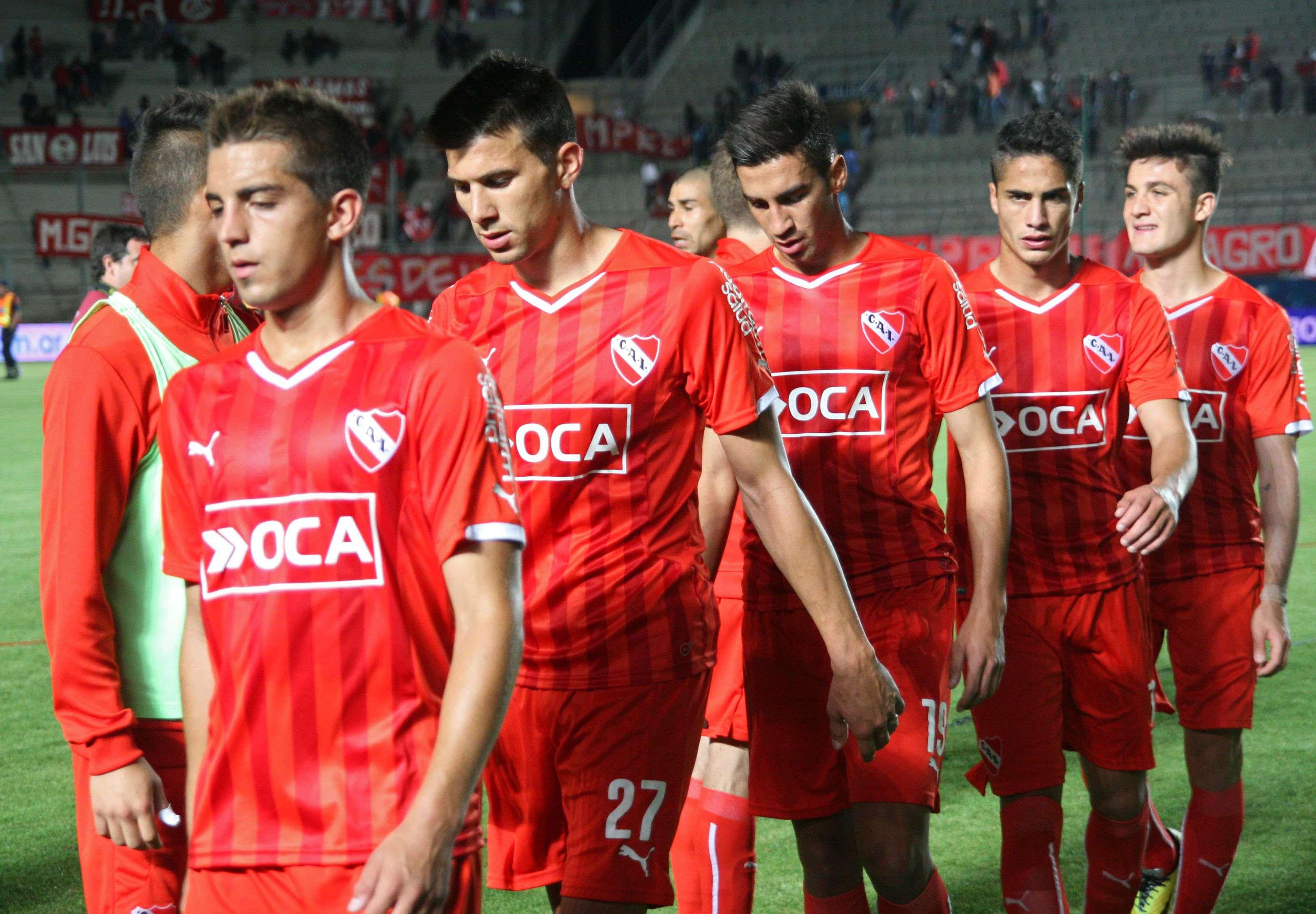 Estudiantes venció 2 a 0 a Independiente en San Juan con goles de Cerutti y Vera. Pasó a cuartos de final de la Copa Argentina y ahora deberá enfrentar a Huracán. Foto: Agencias