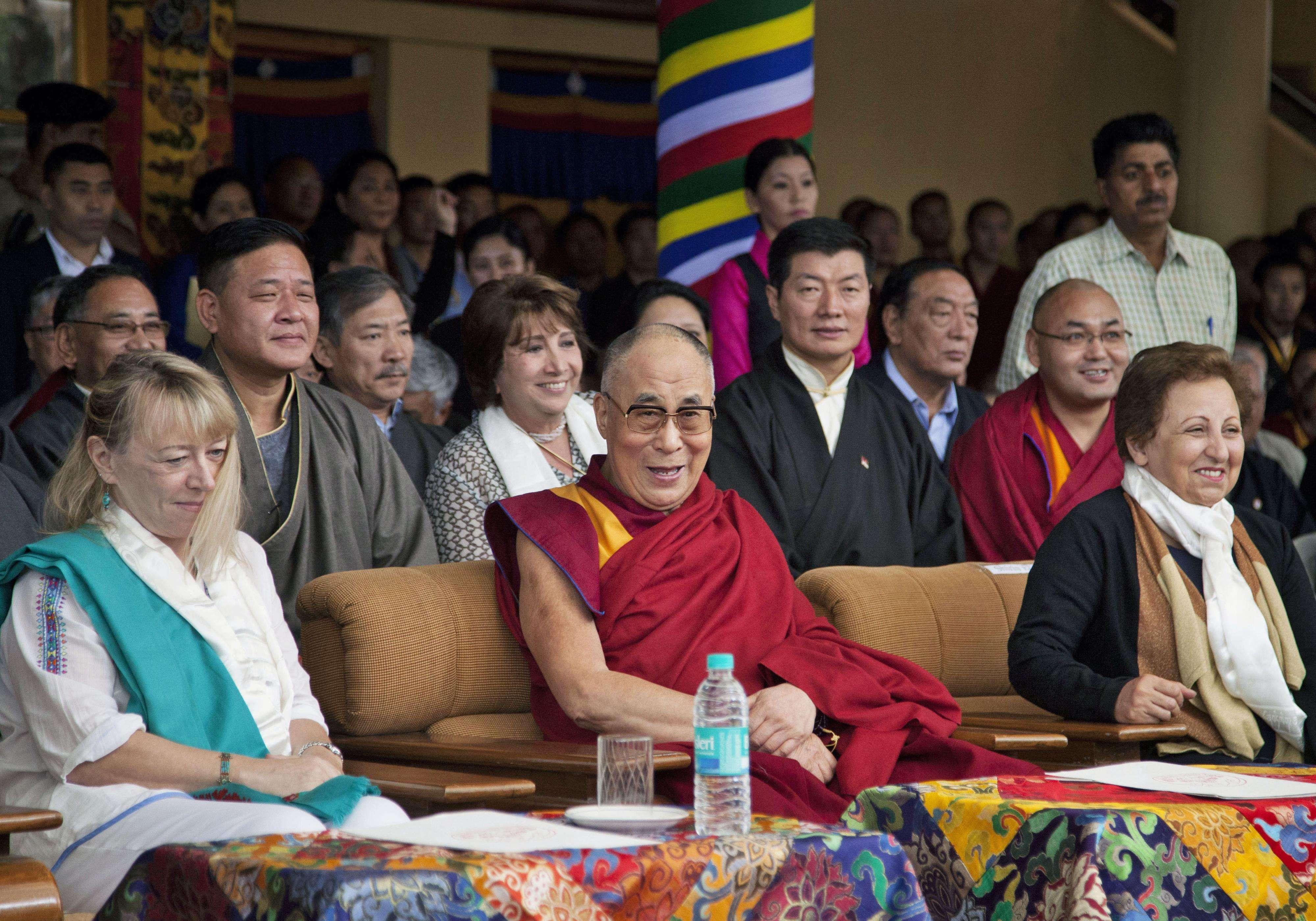 El Dalai Lama vive exiliado en la India desde 1959 y es un símbolo mundial de la resistencia contra el régimen chino. Foto: AP en español