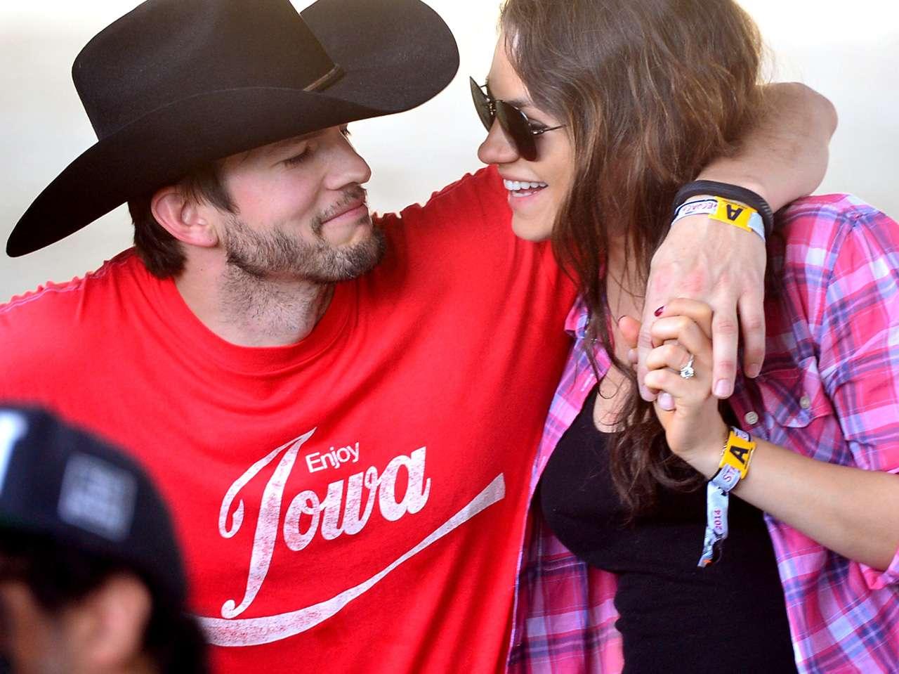 Ashton Kutcher y Mila Kunis se convirtieron en papás por primera vez Foto: Getty Images