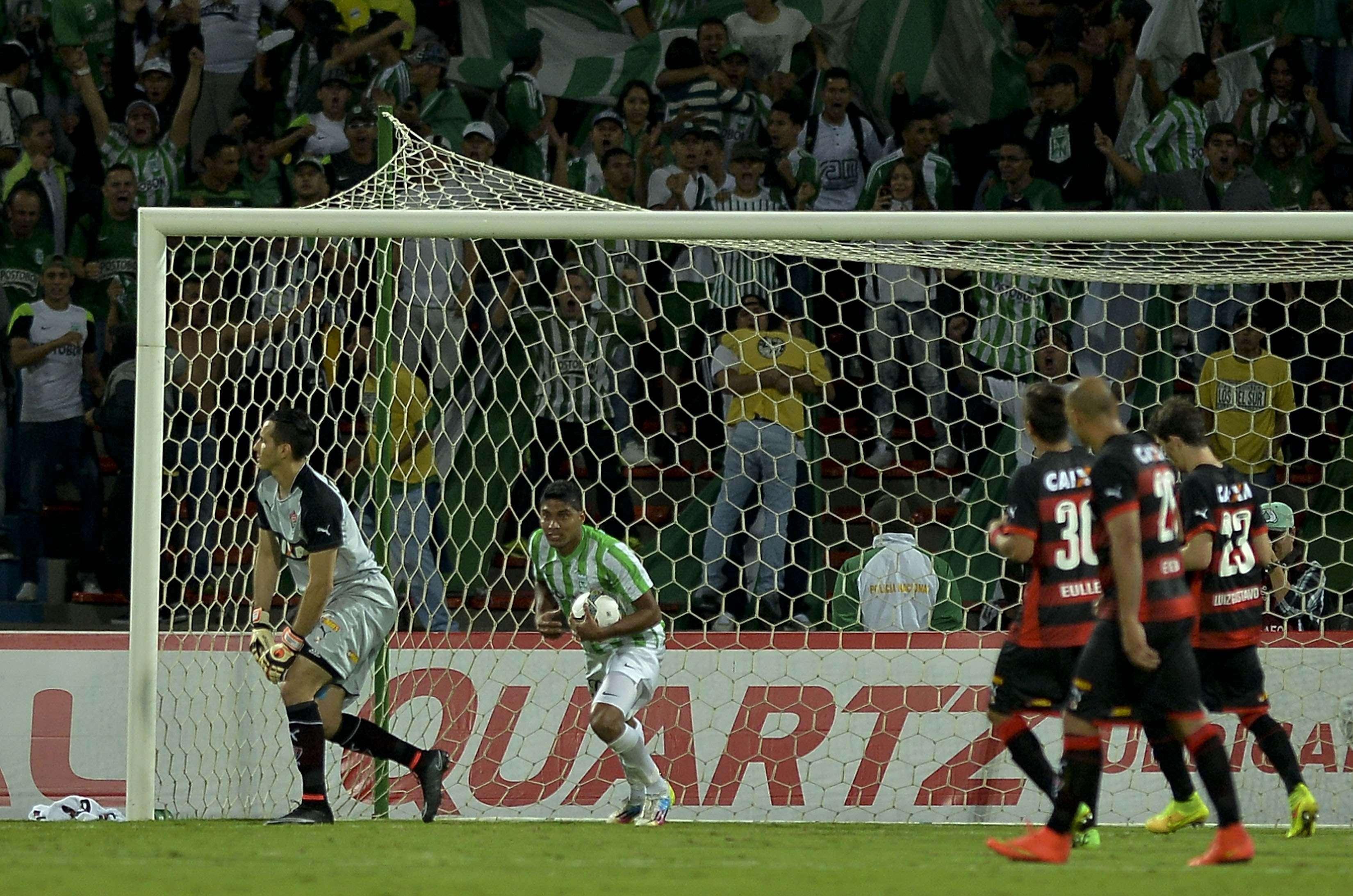 Atlético Nacional e Vitória ficaram no empate Foto: Raul Arboleda/AFP