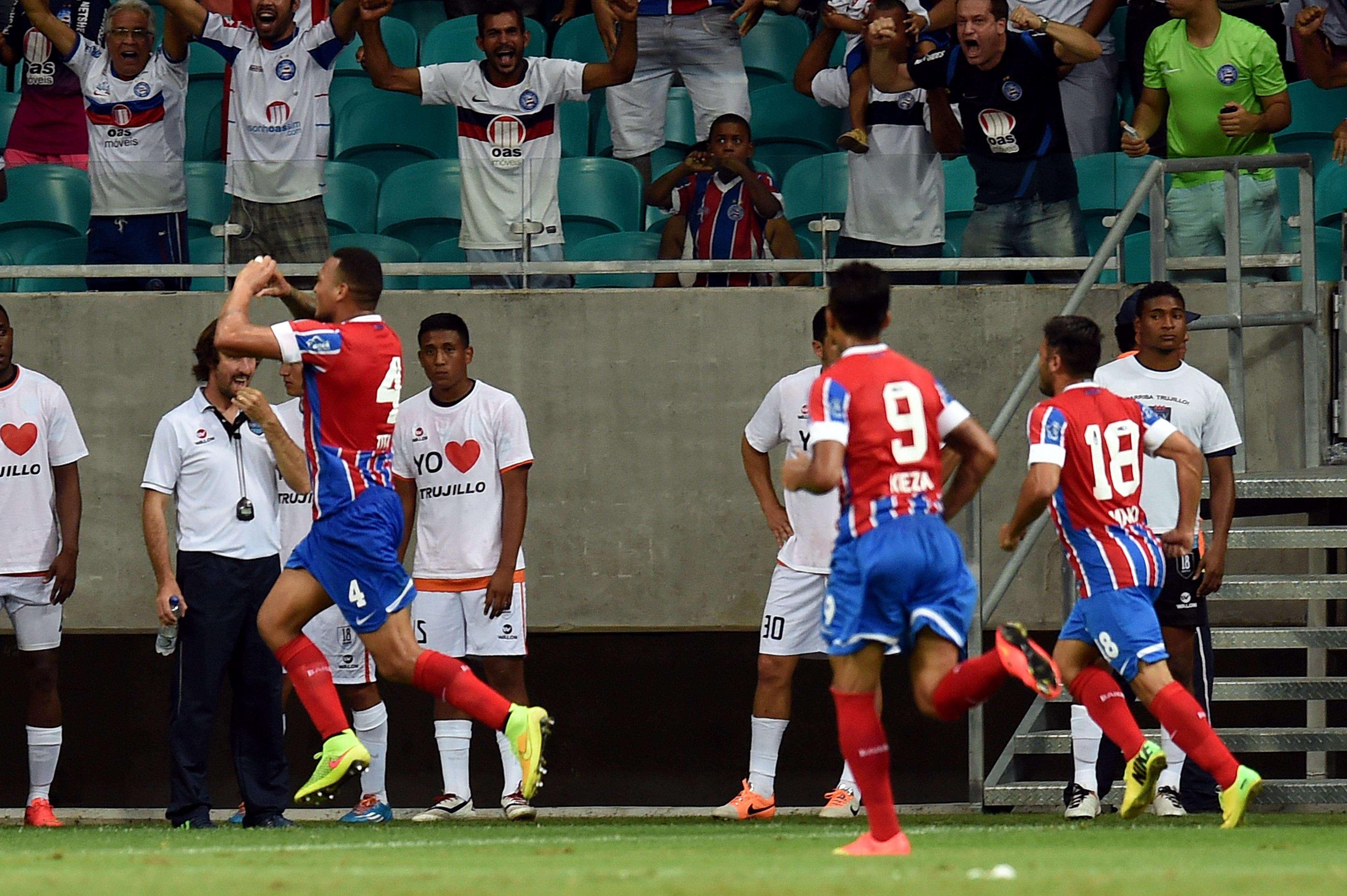 Jogadores do Bahia festejam vitória na Copa Sul-Americana Foto: Evaristo Sá/AFP