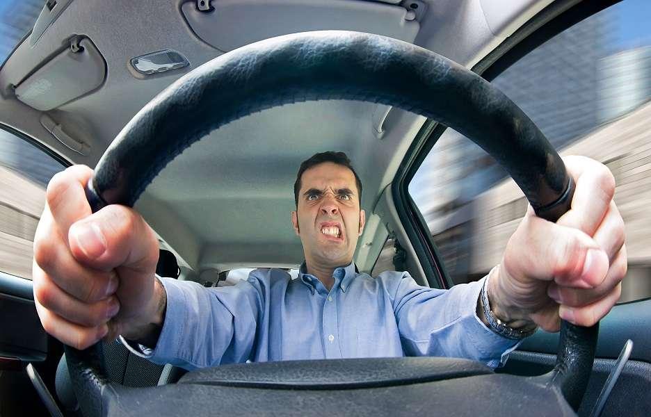 Estudos indicam que o estresse no trânsito pode causar transtornos à saúde ao longo do tempo. Saiba como evitá-lo. Foto: Shutterstock
