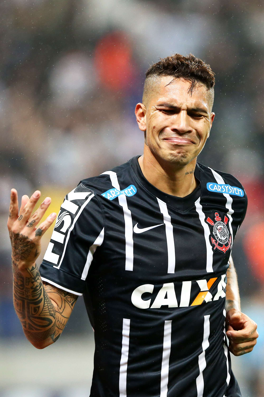 Guerrero fez festa com gol na Arena Corinthians Foto: Wagner Carmo/Vipcomm