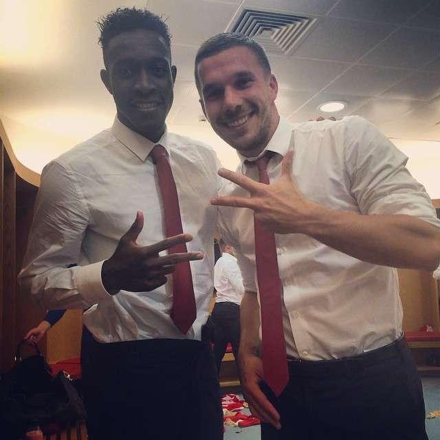 Podolski e Welbeck Foto: Instagram/poldi_official/Reprodução