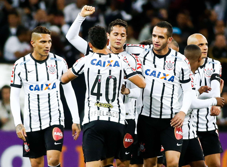 Corinthians continua perseguição para voltar ao G-4 do Campeonato Brasileiro Foto: Alexandre Schneider/Getty Images