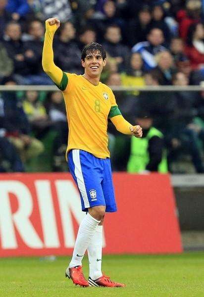 Kaká comemora gol do Brasil em amistoso contra o Japão, em 16 de outubro de 2012. Foto: Tobias Schwarz/Reuters