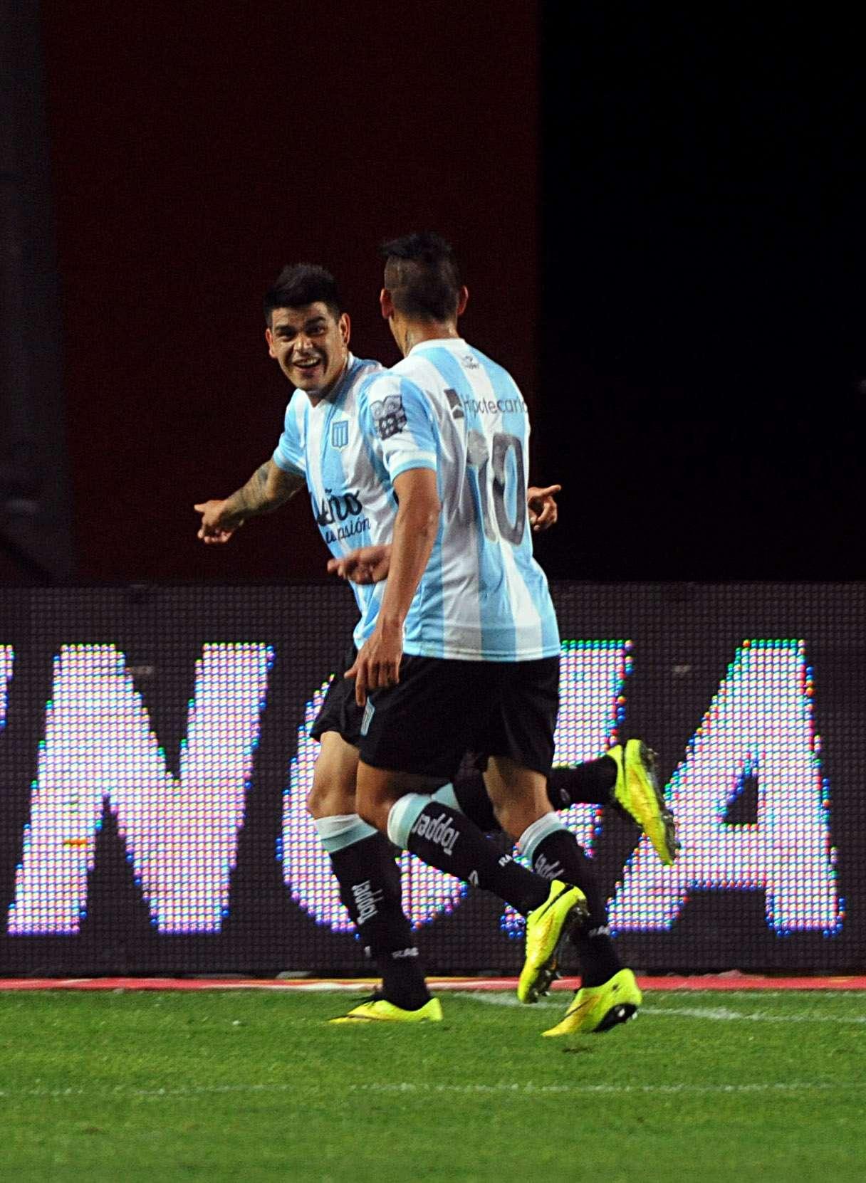 Con goles de Bou (dos), Milito y Hauche, la Academia no tuvo piedad con el Pincha. Foto: agencias