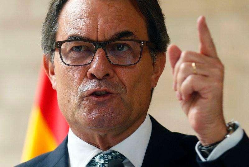 Presidente do governo regional da Catalunha, Artur Mas, durante coletiva de imprensa em Barcelona. 14/10/2014. Foto: Albert Gea/Reuters