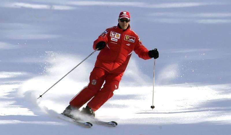 Ferrari's Formula One driver Michael Schumacher of Germany skis during his team's winter retreat in the Dolomite resort of Madonna Di Campiglio January 12, 2006. Foto: Alessandro Bianchi/Reuters