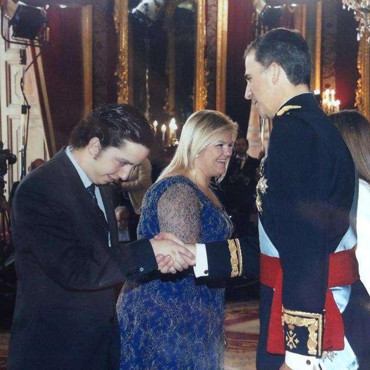 Francisco Nicolás saluda al Rey. Foto: Facebook