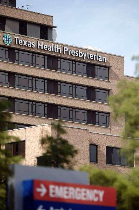 Imagen del Texas Health Presbyterian Hospital, donde falleció un paciente contagiado con ébola en Dallas. Imagen de archivo, 8 octubre, 2014. Un trabajador de la salud de Texas que podría haber tenido contacto con muestras del primer paciente diagnosticado con ébola en Estados Unidos ha sido aislado en un crucero, pero no está mostrando síntomas de la enfermedad, informó el Departamento de Estado el viernes. Foto: Brandon Wade/Reuters