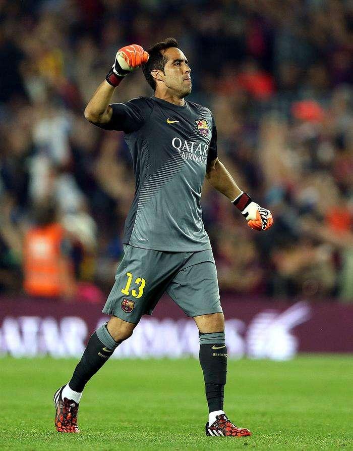 Se juega en el Camp Nou y el chileno Claudio Bravo es titular. Foto: EFE en español