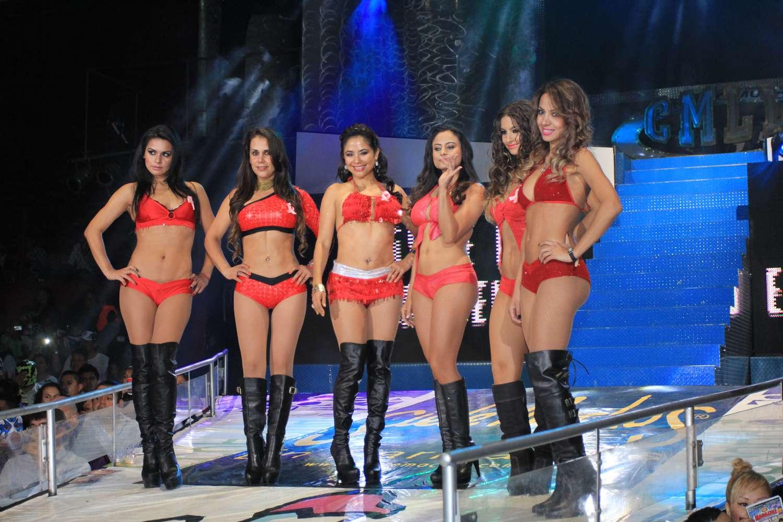 Las más bellas y espectaculares edecanes en la Arena México. Foto: Terra