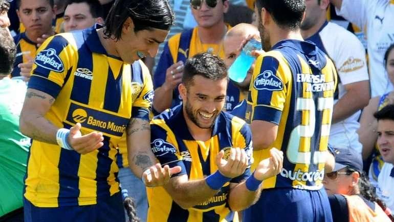 Con goles de Niell y Domínguez, Central le ganó 2 a 0 a Newell´s el clásico de Rosario en el Gigante de Arroyito. Foto: Agencias